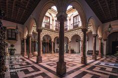 Patio de columnas del Palacio Domecq, en Jerez de la Frontera (Cádiz, Andalucía, España)