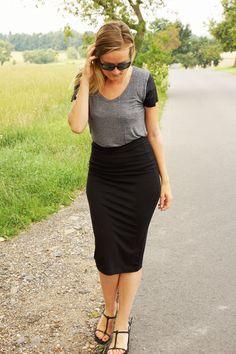 Flowy shirts & mens sunglasses Flowy Shirts, Vegan Recipes, Mens Sunglasses, Lifestyle, My Style, Health, Skirts, Dresses, Fashion