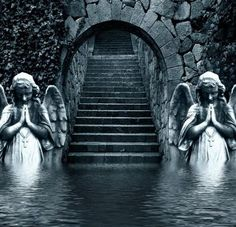 Angels in abandoned castle, Moat-entrance