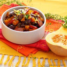 Käferbohnen-Kürbisgulasch Food Porn, Vegan, I Love Food, Cantaloupe, Serving Bowls, Chili, Veggies, Soup, Fruit