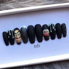 Disney Acrylic Nails, Simple Acrylic Nails, Disney Nails, Best Acrylic Nails, Disney Halloween Nails, Holloween Nails, Halloween Acrylic Nails, Seasonal Nails, Holiday Nails
