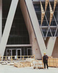 A day in the life of a construction worker.. #kuwait #q8 #kuniv #ssuc_kucp #ssuc #kucp #alshadadiya #shdadiyah #kuwaituniversity #newcampus #arcwalkkw #photography #portraitphotography #fujifilmxt20 #fujifilm #construction #constructionworker #worker #kuarcwalk