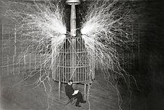 WasDerBürgerSoLiest: Wie messen wir den Wert/ Serbe Nikola Tesla vs Tho...