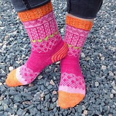 Marit Ravelry: Project Gallery for Marit pattern by Erika GuseliusEchoes from Karelia sock pattern is a tribute to my mother's North Karelian heritage. Crochet Socks, Knitting Socks, Fair Isle Knitting, Hand Knitting, Knitted Hats, Knit Crochet, Knit Socks, Knitting Designs, Knitting Projects