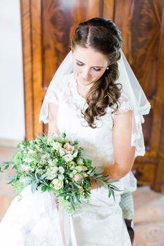 Maike & Arthur: Frühherbstliche Hochzeit im Kloster KIBOGO PHOTOGRAPHY http://www.hochzeitswahn.de/inspirationen/maike-arthur-fruehherbstliche-hochzeit-im-kloster/ #wedding #inspiration #spring