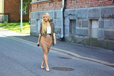 Chiquine: Khaki & Suede