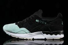 "7f696677fed4  sneakers  news ASICS Drops A GEL-Lyte V ""Tuxedo"""