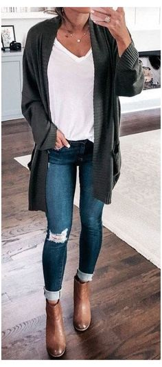 Jeans Outfit For Work, Jeans Outfit Winter, Outfit Jeans, Casual Winter Outfits, Winter Fashion Outfits, Look Fashion, Autumn Fashion, Womens Fashion, Cardigan Sweater Outfit