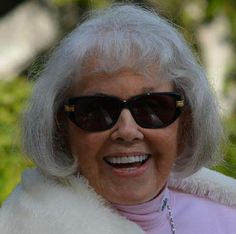 Doris Day on her Birthday April 2014 WOW, she looks wonderful for being I hope I am that lucky when I get 90 which is a long ways off. by ebony Hollywood Stars, Classic Hollywood, Old Hollywood, Carole Lombard, Great Smiles, She Movie, Ageless Beauty, Aging Gracefully, Special People