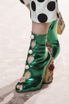 Dolce & Gabbana at Milan Fashion Week Spring 2019 fashion shoes Sock Shoes, Cute Shoes, Me Too Shoes, Shoe Boots, Runway Shoes, Fashion Shoes, Fashion Outfits, Shoe Art, Milan Fashion Weeks