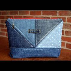 Create a Handy Pouch from Old Jeans - - - Create a Handy Pouch from Old Jeans – Jeans Erstellen Sie einen praktischen Beutel aus alten Jeans – Zipper Bags, Zipper Pouch, Denim Ideas, Pouch Pattern, Denim Crafts, Recycle Jeans, Old Jeans, Denim Bags From Jeans, Denim Purse