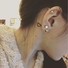 Pin for Later: 30 Brilliantly Simple Behind-the-Ear Tattoo Ideas Heart