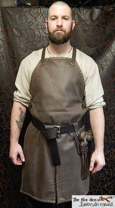 Invest in cool looking leathery apron and belt and you have a blacksmith costume forever. Just look tough and wear and apron. Larp, Leather Working, Metal Working, Blacksmith Tools, Blacksmith Workshop, La Forge, Work Aprons, Leather Apron, Middle Ages