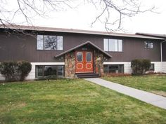 2 Bed 2 Bath in 8 Plex - Billings MT Rentals | 404 Mervin no. B - 2 bed 2 bath upper unit in 8 plex w/d hookups wall a/c patio 1 car garage No Pets/No Smoking Available for showings Occupancy now! $725  Electric & Gas Deposit $800 1 year lease Pictures of similar unit | Pets: Not Allowed | Rent: $725.00 per month | Call Western Management at 406-252-1309