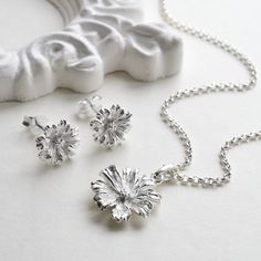 bced96588 10 Awesome daisy images | Earrings, Flower earrings, Jewelry