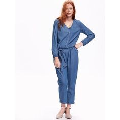 Old Navy Chambray Jumpsuit (680 ZAR) ❤ liked on Polyvore featuring jumpsuits, blue, long sleeve jump suit, old navy, tie belt, chambray jumpsuit and fitted jumpsuits