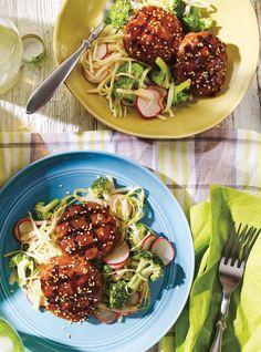 Galettes de veau laquées et salade de chou asiatique | Ricardo