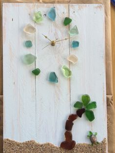 Sea glass clock handmade by me! All sea glass and shells found in Kauai, . Sea glass clock handmade by me! All sea glass and shel Sea Glass Beach, Sea Glass Art, Stained Glass Art, Sea Glass Jewelry, Mosaic Glass, Fused Glass, Sea Glass Crafts, Sea Crafts, Seashell Crafts