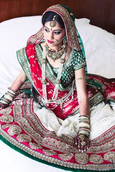 Getting ready http://maharaniweddings.com/gallery/photo/28330 @ragartistry