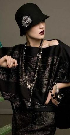 Best Women S Fashion Magazine Fall Fashion Skirts, 20s Fashion, Retro Fashion, Fashion Brands, Vintage Fashion, Womens Fashion, 20s Mode, Shady Lady, 1920s Dress