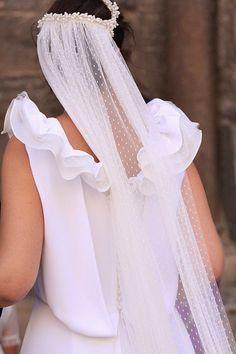 Novias con velo de tul plumeti http://bodascondetalle.blogspot.com.es/2014/11/velos-de-novia-tul-plumeti.html
