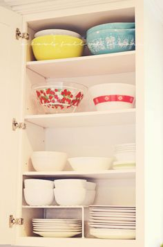 What a pretty cabinet to see every day!  Great site.   How to organize the kitchen | A Bowl Full of Lemons