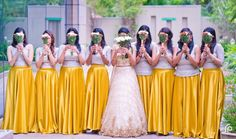 Wedding Bridal Party Photos Group Shots Maids Ideas For 2019 Indian Bridesmaid Dresses, Bridesmaid Poses, Bridesmaid Saree, Bridesmaid Outfit, Bridesmaids And Groomsmen, Wedding Bridesmaids, Bridal Party Poses, Haldi Ceremony, Shower Dresses