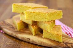 Peynirli ve Kekikli Mısır Ekmeği