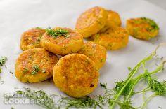 Kotleciki z czerwonej soczewicy Baked Potato, Vegan Recipes, Potatoes, Baking, Ethnic Recipes, Healthy Food, Cookies, Green, Diet