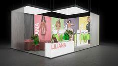 088 Fashion Liliana | Bunter Messestand für einen Hersteller von Damenmode.   Der mittelgroße Eckstand besticht durch vier hinterleuchtete Mode Aufnahmen in unterschiedli...