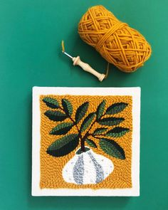 Took a really fun punch needle workshop this weekend from and now I'm addicted! Here's the finished piece using one of her… Diy Embroidery, Embroidery Patterns, Perler Beads, Henna Doodle, Punch Needle Patterns, Punch Art, Punch Punch, Rug Hooking, Needle And Thread