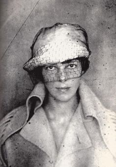 Amelia Earhart - American aviation pioneer and author. First female aviator to fly solo across the Atlantic Ocean. Self portrait, date unknown Amelia Earhart, Amelie, Beautiful People, Beautiful Women, Amazing People, The Victim, Women In History, Strong Women, Famous People