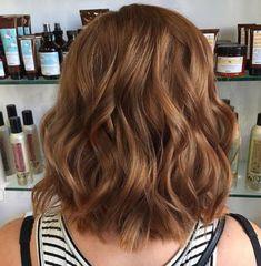 medium brown hair color Hair Color Auburn, Hair Color Highlights, New Hair Colors, Brown Hair Colors, Auburn Colors, Auburn Highlights, Fall Highlights, Natural Highlights, Brunette Highlights