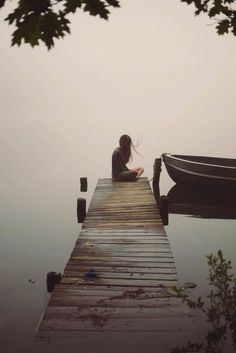 Solitude in the Morning Fog Photo by Caroline Eyer -- National Geographic Foto Picture, Foto Art, Portrait Photography, Alone Photography, Photography Of People, White Photography, Loneliness Photography, Morning Photography, Photography Poses