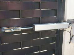 Instalación de puerta con batiente