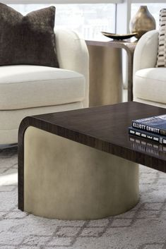 Marquis Tail Table