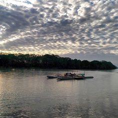 Atardecer llanero  en el río Ariari by pixelgoomba