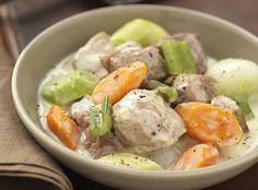 La blanquette de veau : une recette traditionnelle rapide à préparer pour un plat unique mijoté avec amour. Potato Salad, Potatoes, Meat, Chicken, Ethnic Recipes, Bourguignon, Food, Veal Stew, Deep Dish