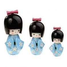 Decoration. Me gustan estas muñecas japonesas.