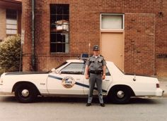 Kentucky State Police, 1981 Dodge St Regis Pictures Of Police, Dodge Sedan, Kentucky State Police, Old Police Cars, Barney Fife, Emergency Vehicles, Police Vehicles, Pickups For Sale, Chrysler New Yorker