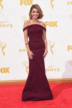 Sarah Hyland attends the 67th Annual Primetime Emmy Awards at Microsoft Theater on September 20, 2015 in Los Angeles, California.