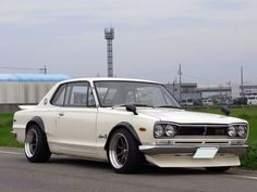 Classic Nissan Skyline GT-R. What I would give for one of these...