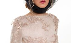 Crop top of two kinds of lace.