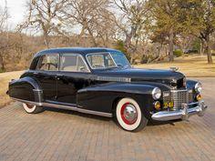 1941 Cadillac Fleetwood Sixty Special Sedan (40-6019S)