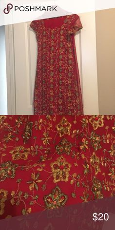 Salwar Kameez Pretty Indian outfit. Consists of 3 pieces, a long top, pants and a shawl. Message me for more info Dresses