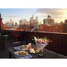 #Datenight with #myhusband #summertime #sunset #rooftop #homesweethome #cosy #chill #thanks #odealarose 💐 & #fabriquedelices 😋 @benoitburidant