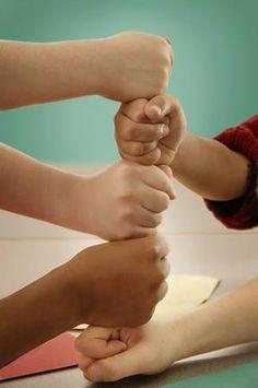 人有大腦,為的是思索人生, 有著雙手,是為了創造未來。