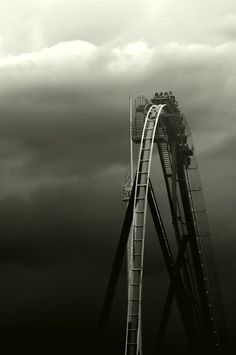 Black and white photography – Roller Coaster Black N White, Black White Photos, Black And White Photography, Silver Star Europa Park, Amazing Photography, Art Photography, Rule Of Thirds Photography, Jolie Photo, Cool Photos
