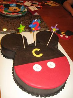 Mickey Mouse Cake (the simplest cake I could find! Mickey Mouse Clubhouse Party, Mickey Mouse Parties, Mickey Party, Bolo Do Mickey Mouse, Mickey Cakes, Pastel Mickey, 2nd Birthday Parties, Birthday Ideas, Birthday Cake
