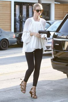 Rosie Huntington-Whiteley - In Los Angeles.  (30 March 2016)